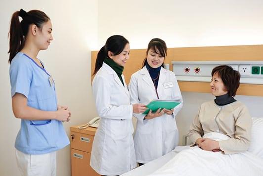 Ngành điều dưỡng đóng vai trò khá quan trọng trong công tác chăm sóc sức khỏe người bệnh