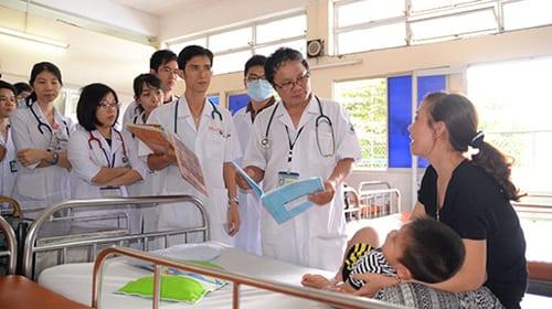 Bác sỹ tuổi nào liên tiếp gặp tai ương trong năm Đinh Dậu?