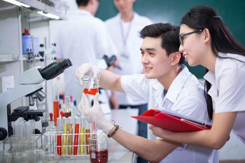 Bất ngờ những công việc đắt giá dành cho sinh viên Cao đẳng Dược TP.HCM