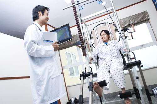 Học phí Cao đẳng Vật lý trị liệu và PHCN của TP.HCM năm 2018 bao nhiêu?