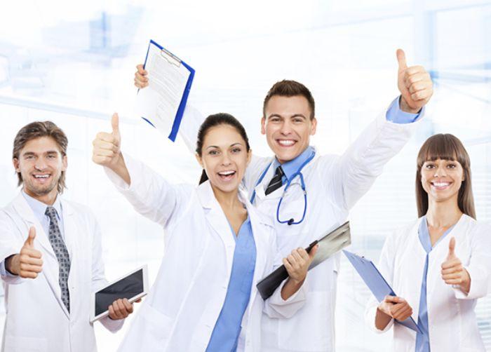 Cơ hội việc làm cho sinh viên ngành y rất rộng mở