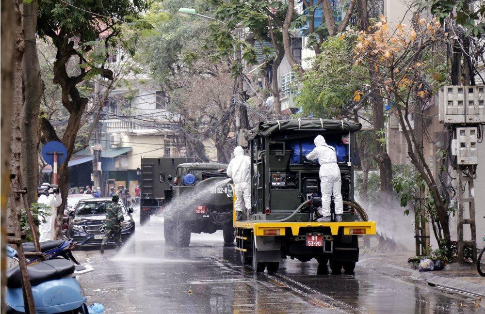 Công tác phòng chống, cách ly, khử trùng diễn ra nghiêm ngặt tại Hà Nội